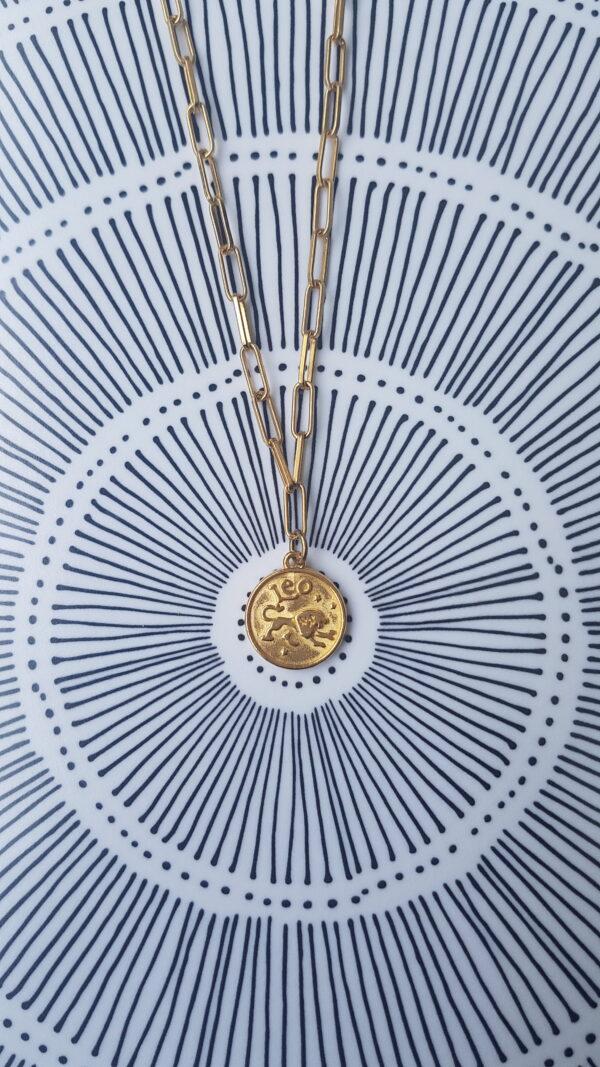 גרין קווין | חנות מתנות לאישה: שרשרת מיסטיקל: מזל אריה - זהב, בעיצוב שלי דהרי