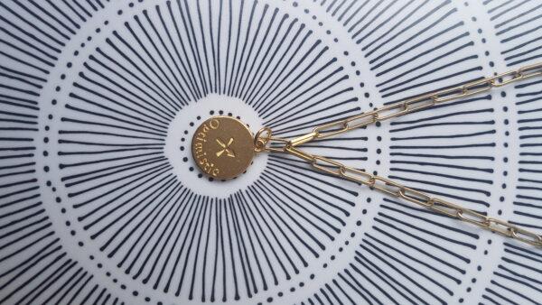 גרין קווין | חנות מתנות לאישה: שרשרת מיסטיקל: מזל קשת - זהב, בעיצוב שלי דהרי