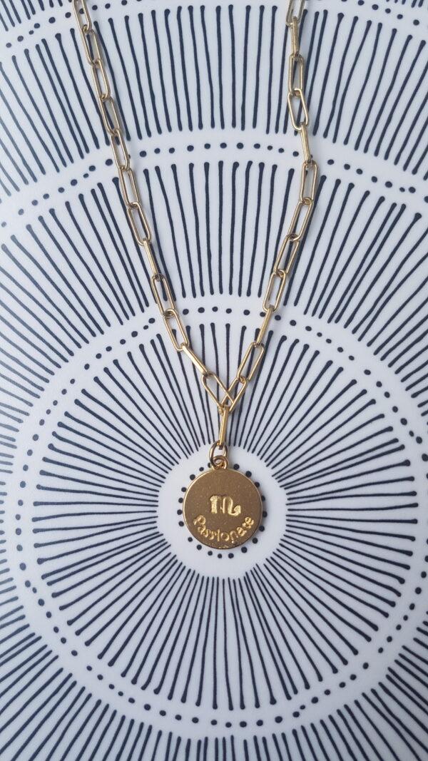 גרין קווין | חנות מתנות לאישה: שרשרת מיסטיקל: מזל עקרב - זהב, בעיצוב שלי דהרי
