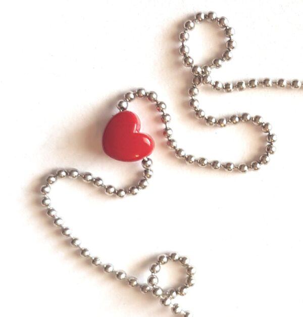 GREEN QUEEN | שרשרת לב קטנטן אדום - נעמה ברוש
