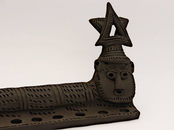 מתנה,מתנות,נישואים,מסיבה,רווקות,חימר,פיסול,אתיופי,אתיופיה,שחור,חנוכה, חנוכייה,בית,חנוכת בית,לבית